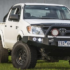 Toyota Hilux '05 -'15 Bull bar - single hoop black powder coated