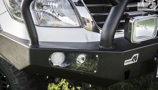 Toyota Hilux 05-15 bull bar - triple hoop - black powder coated